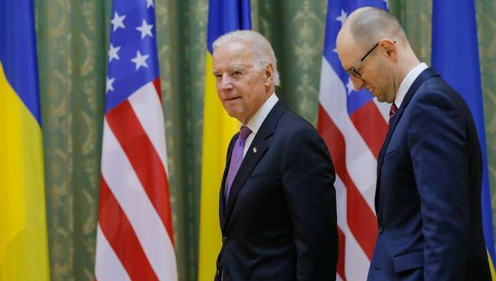 Клоун Байден - Кролику Сене: санкции против России будут усилены