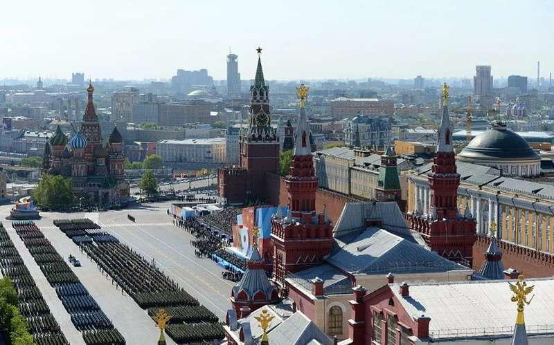 Парад Победы обязательно состоится – заявили в Кремле