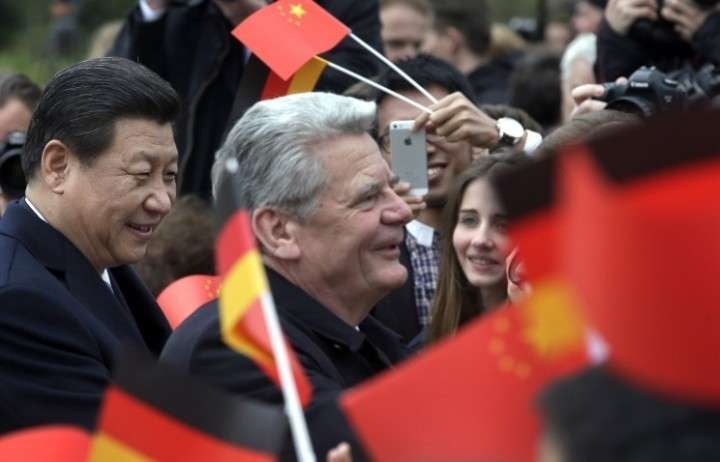 Германия и Китай договорились о создании расчетного центра по работе с юанем