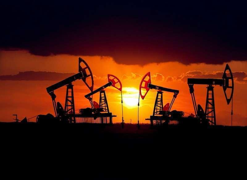 США и Канада закрывают нефтяные скважины, из-за падения спроса на нефть