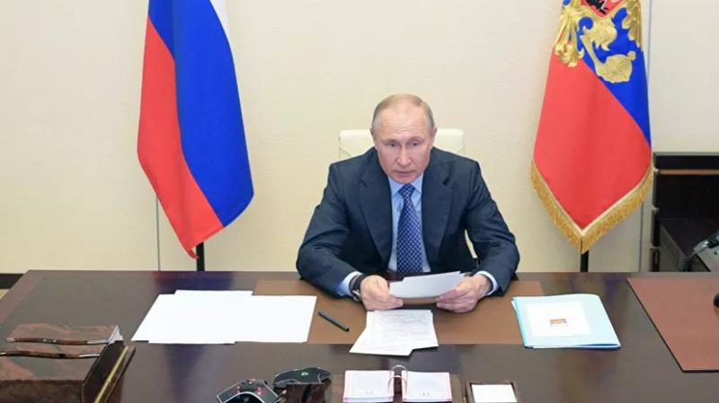 Путин предложил выдать пострадавшему от коронавируса малому и среднему бизнесу деньги на зарплаты