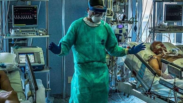 Платная медицина отказывается спасать стариков. Просвещённый демократичный Запад