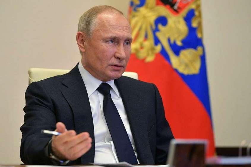 Президент продлил иностранцам действие виз, а россиянам – прав и паспортов.