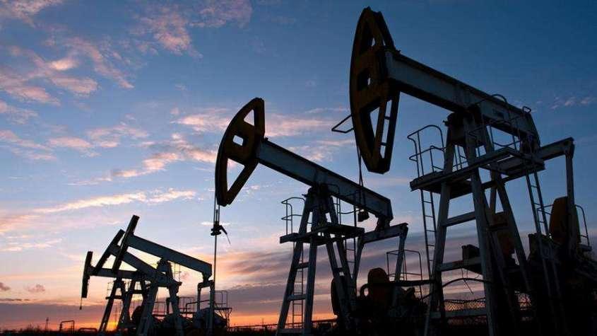 Цена американской нефти WTI обвалились более чем на -300% до минус $39