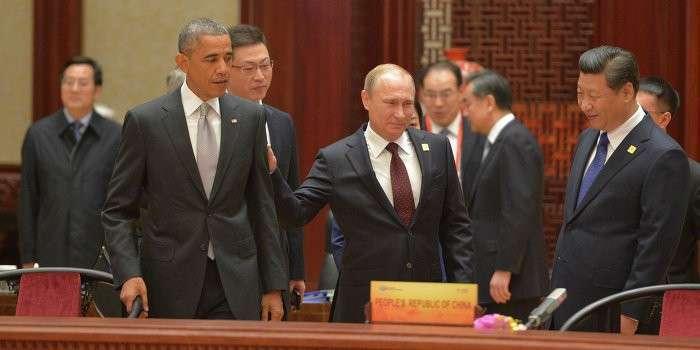 Россия и Китай объявляют доллару войну