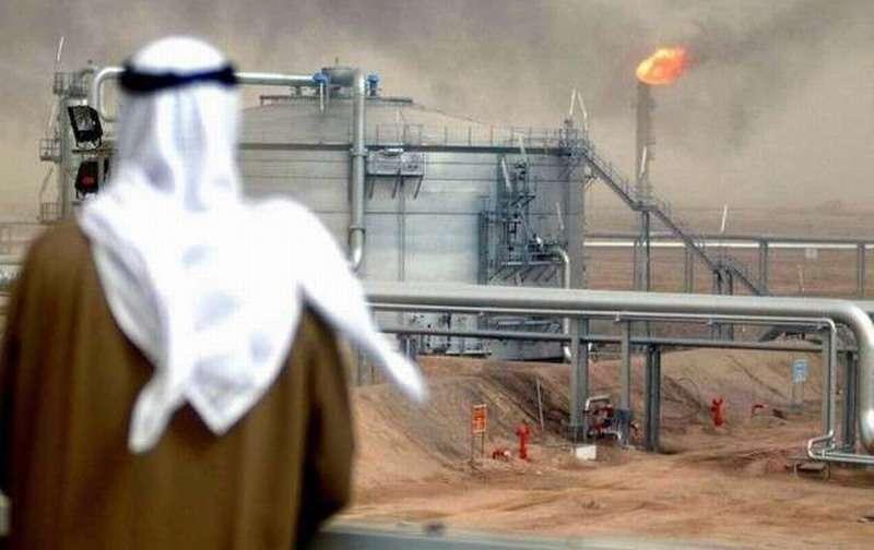 Саудовская Аравия уже начала сокращать добычу нефти