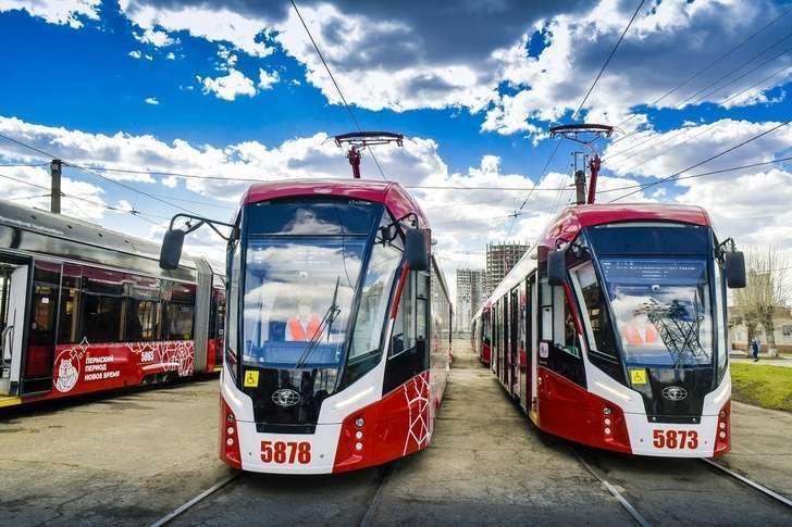 В Перми на линию вышли семь новых трамваев «Львенок»