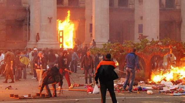 Годовщина. Хронология сожжения людей в Доме Профсоюзов в Одессе 2 мая 2014 года