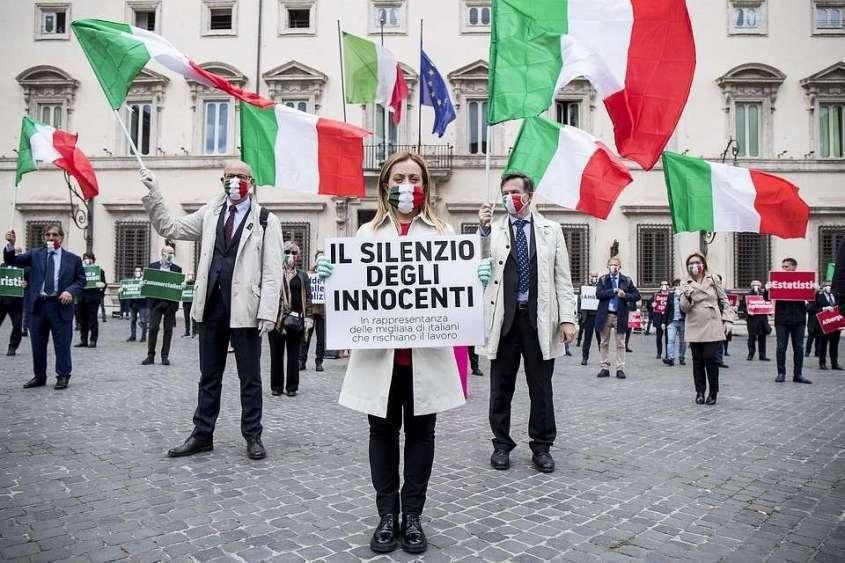 4 мая Италия начнет постепенно выходить из карантина