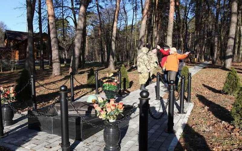 В Калуге на месте братской могилы солдат выросла правительственная резиденция