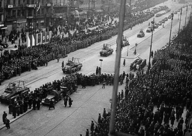 Прага в 1938 году и в 1968 году. Как чехи встречали фашистов и русских