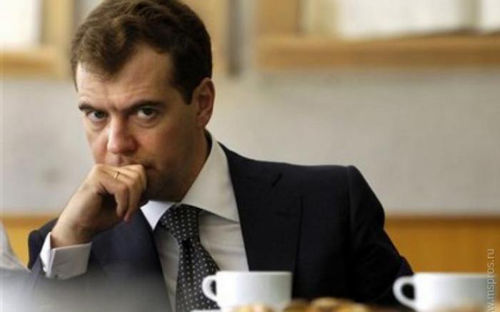 К грядущей отставке Медведева