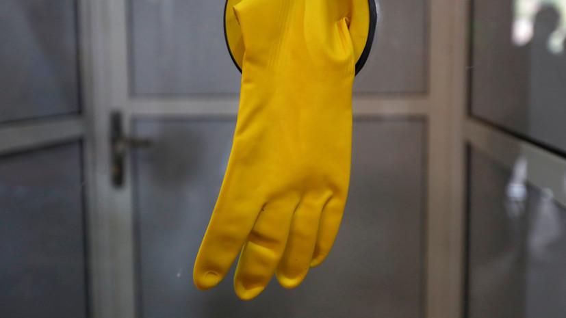 Собянин: в Москве вводят режим обязательного ношения масок и перчаток в общественном транспорте
