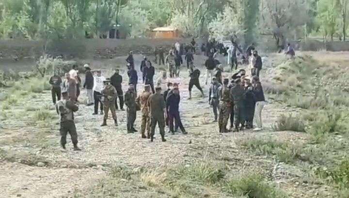 На границе Киргизии и Таджикистана произошла перестрелка с применением автоматов и РПГ