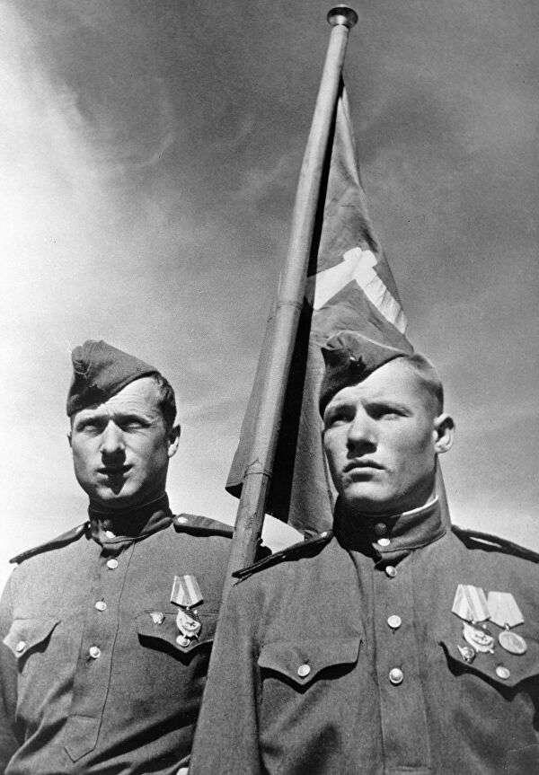 Что Красная армия делала с пленными немцами в Берлине?