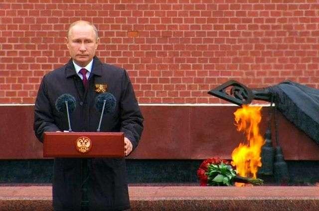 Владимир Владимир Путин пообещал, что Россия отметит юбилей Победы «широко и достойно»