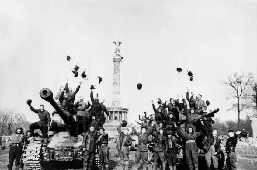 Выступление Верховного Главнокомандующего по радио 9 мая 1945 года