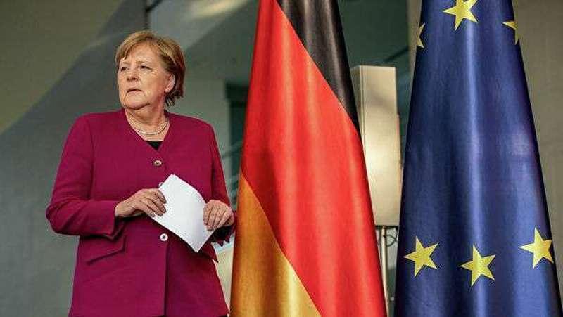 Евросоюз на полном ходу вляпался в конституционный кризис