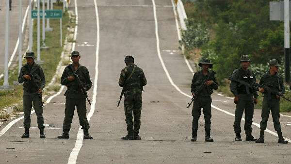 Военнослужащие армии Венесуэлы на границе с Колумбией