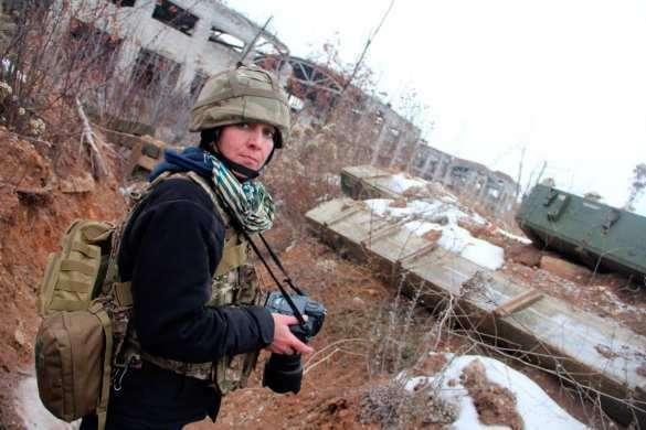 Каратели нацгвардии изнасиловали американского фотокорреспондента в Донбассе | Русская весна