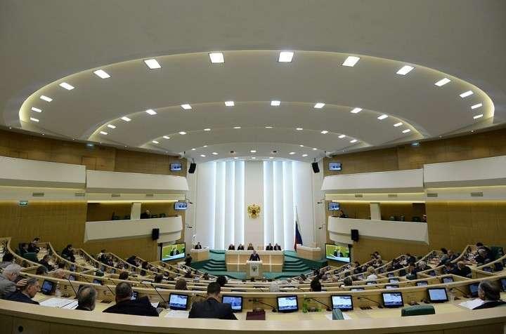 В Совфеде предложили прекратить закупки оружия в странах НАТО