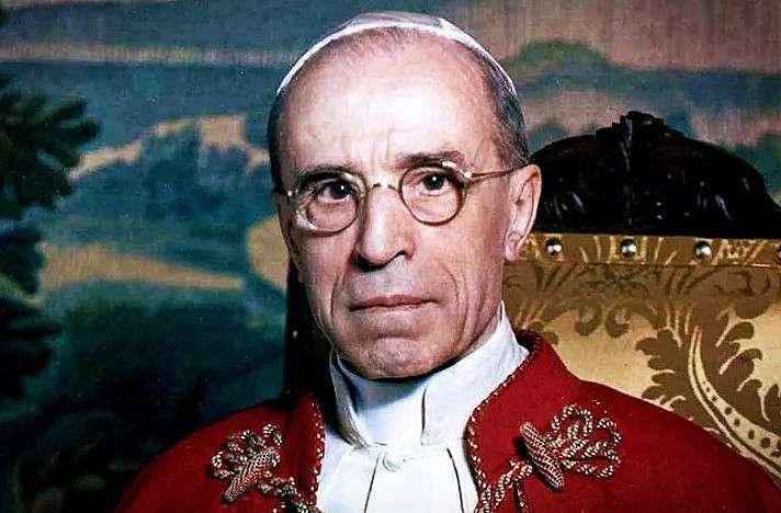 Почему папа римский не осудил Холокост. Ватикан открыл свои архивы