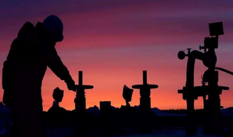 Нефтяная война 2020: лишних баррелей на рынке стало меньше, но они не исчезли
