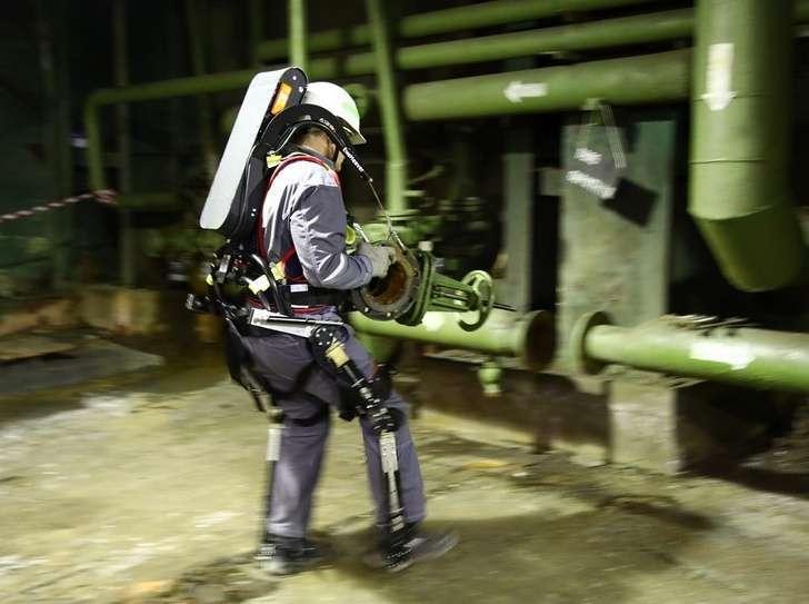 В Курске запустили серийное производство промышленных экзоскелетов