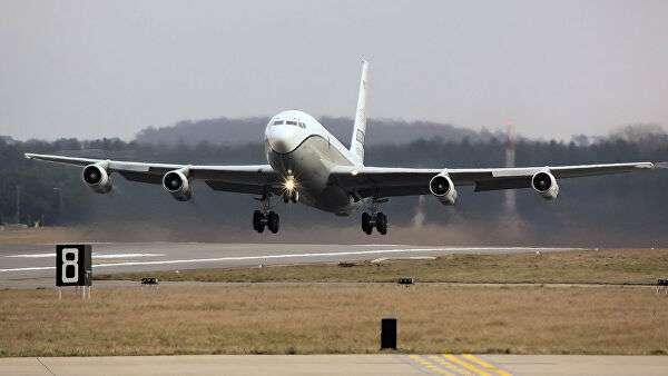 Самолет наблюдения США OC-135B Open Skies