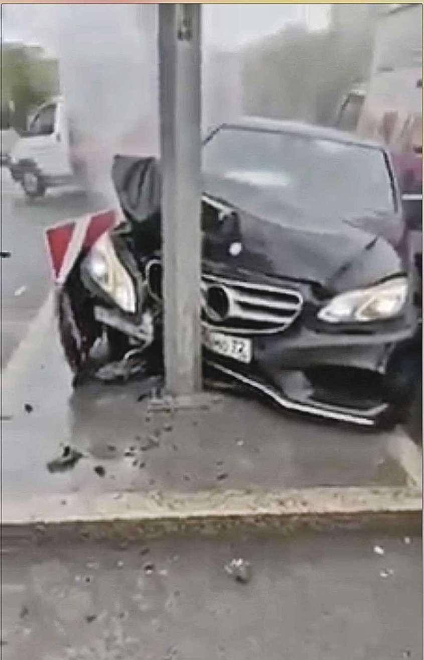 Чтоб не оказаться «мордой в столбе» с разбитой в хлам машиной, лучше держаться на дороге подальше от гонщиков с иностранными номерами или вовсе без них. Фото: YouTube