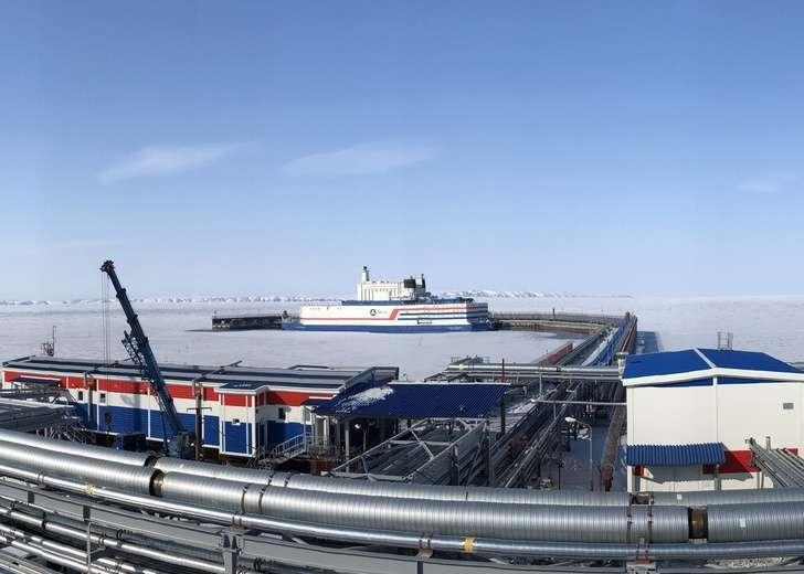 Россия ввела в промышленную эксплуатацию первую в мире плавучую АЭС
