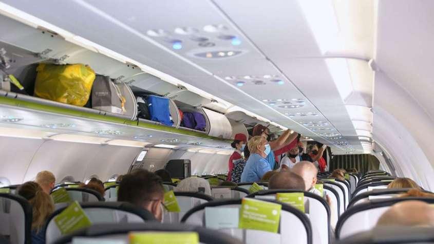 Новые правила авиапутешествий: как себя вести, где сидеть, куда лететь и сколько за всё это платить?