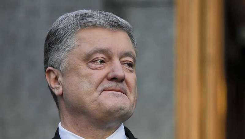 Жулик Порошенко на допрос не явился, украденные им картины арестовали