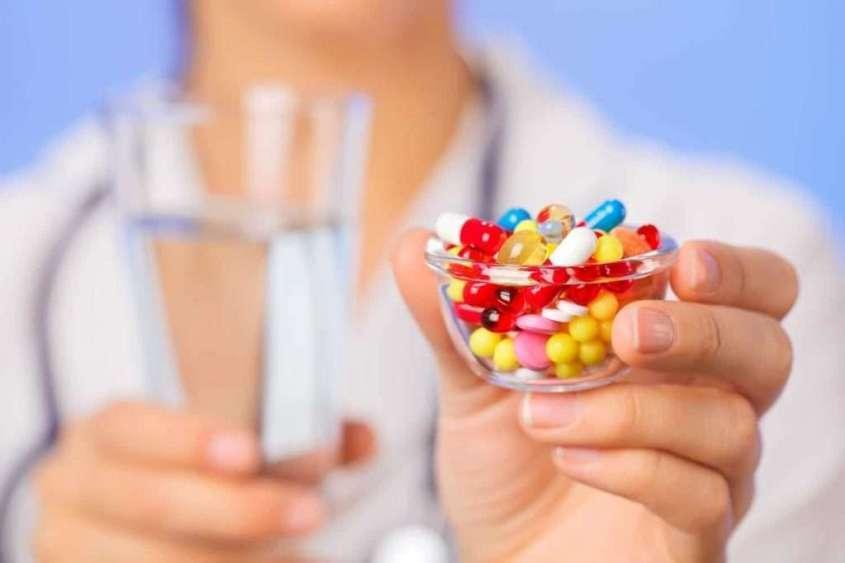 Фармацевтические лекарства имеют наркотический и опьяняющий, а не лечебный эффект