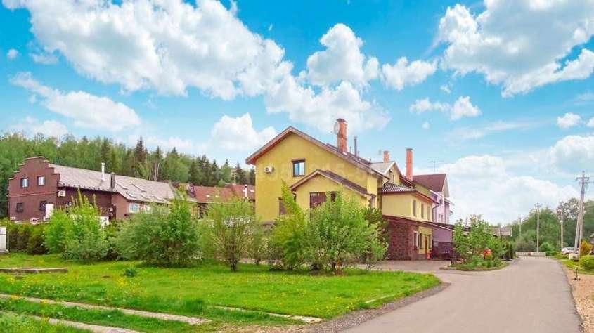 Бедные «церковные крысы» покупают себе дома за 50 мил. рублей