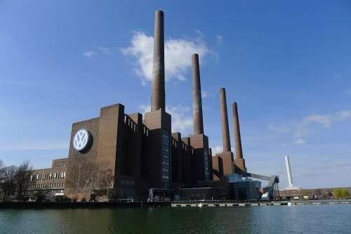 Завод «Volkswagen» в  Вольфсбурге