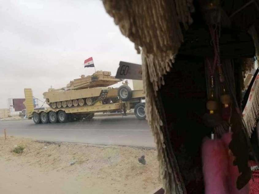 Египет перебрасывает танки, ББМ и вертолёты к границе с Ливией