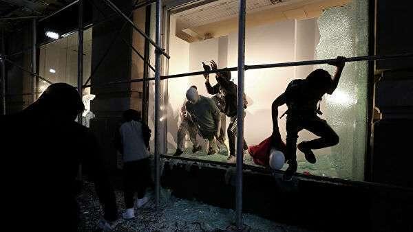 Разграбленный магазин в Миннеаполисе во время протестов