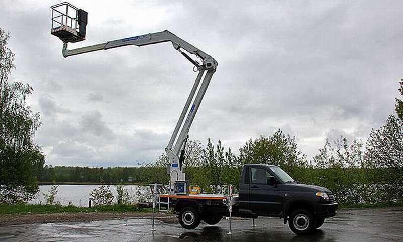 Российская компания освоила производство новых автогидроподъемников на шасси КАМАЗ и УАЗ «Профи»