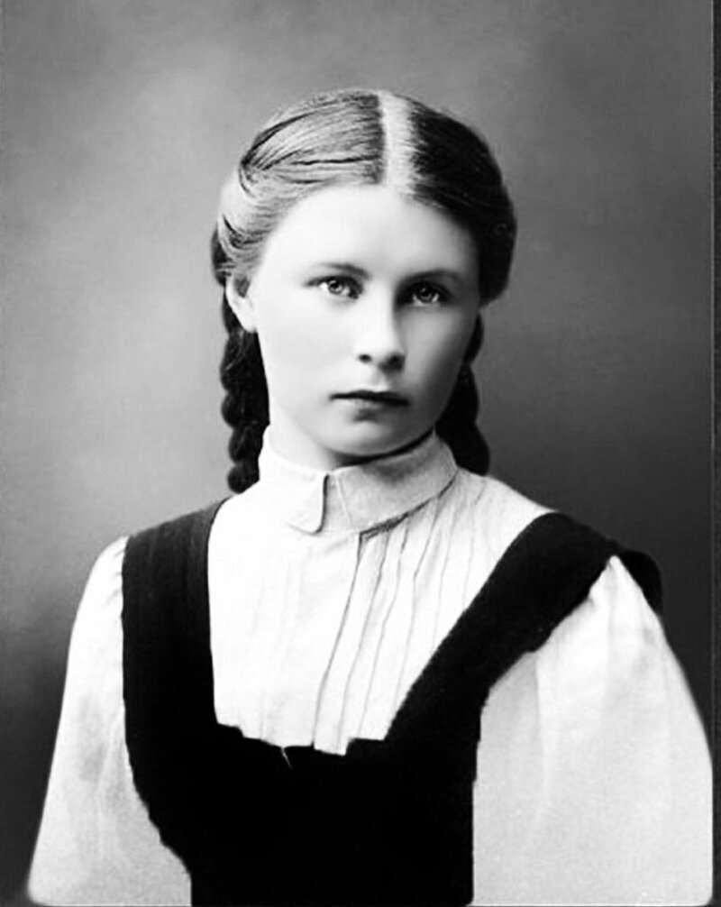 Как выглядели школьницы до иудейского переворота 1917 года и как выглядят сейчас