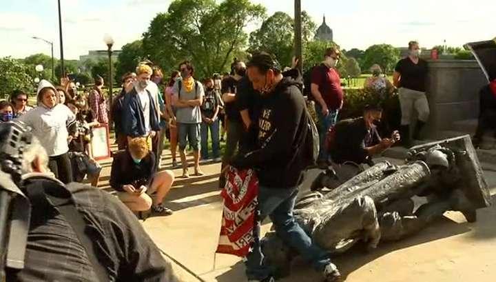 «Чёрный майдан» в США снёс даже статую Христофора Колумба