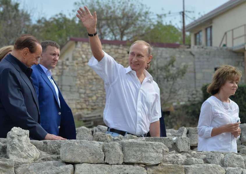 Поправки в Конституцию России – почему так бесится Запад