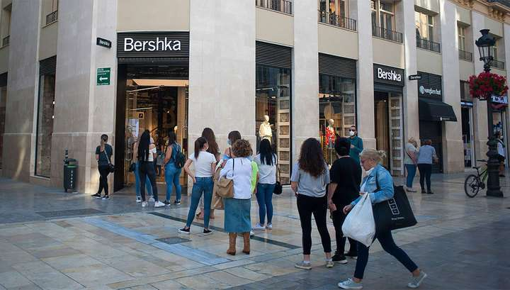 Модный приговор: Zara и Bershka закрывают больше тысячи магазинов по всему миру