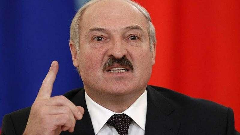 Лукашенко заявил о криминале в деятельности банка своего конкурента на выборах