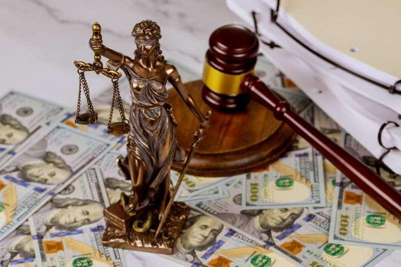 Богатые законно откупаются и избегают наказания. Кто виноват и что делать?