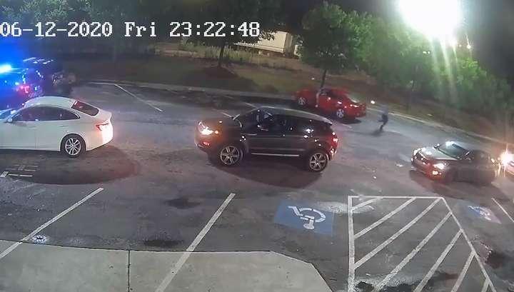В Атланте полицейские убили негра при задержании. Вспыхнула новая волна протестов