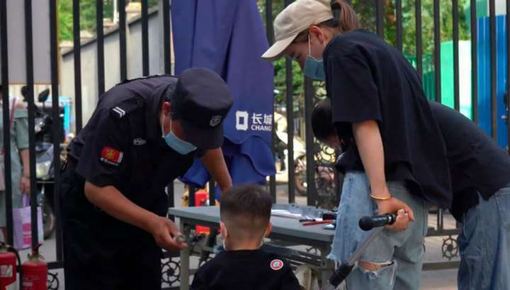 Новая вспышка COVID-19. В Пекине введен режим военного времени
