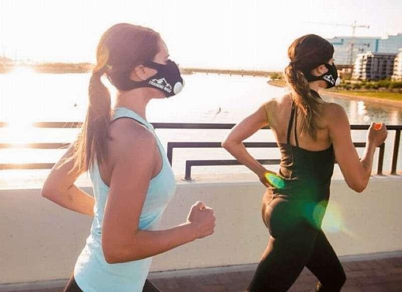 Занятие спортом в маске опасно для вашего здоровья