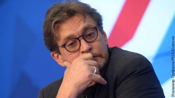 Алкоголик Домогаров отказался выходить на сцену перед критиками Ефремова