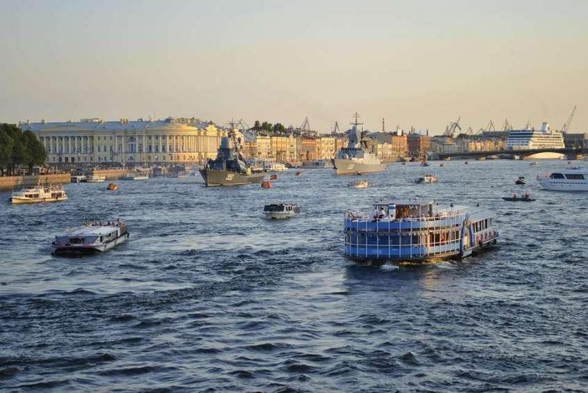 Петербург из-за коронавируса «потерял» около миллиона человек